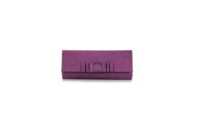 """Bolsa carteira por R$49,99 na <a href=""""http://www.passarela.com.br/feminino/produto/6351114014/Bolsa-Carteira-Lara-T3031---Roxo/"""" target=""""_blank""""> Passarela</a>"""