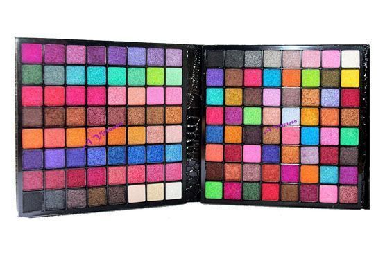 Paleta 3D Macrilan 226 cores por R$77,99 na loja online A Virtuosa