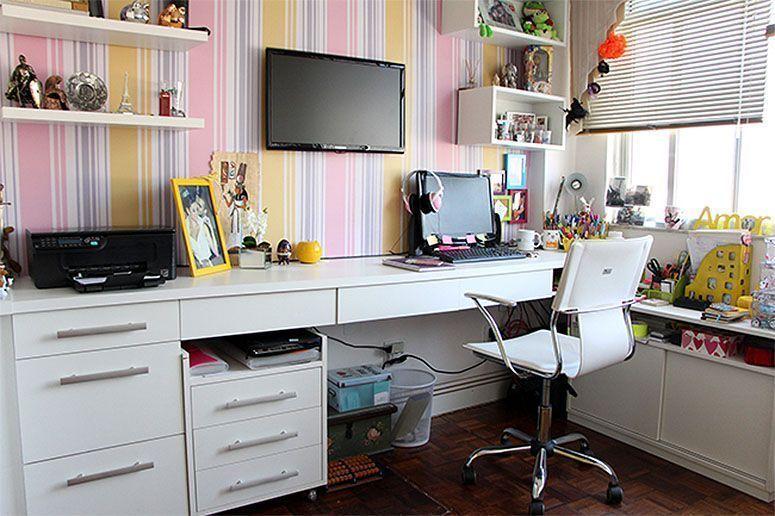 """Foto: Reprodução / <a href=""""http://www.rakaminelliblog.com.br/meu-cantinho-de-trabalho-home-office/"""" target=""""_blank"""">Raka Minelli</a>"""