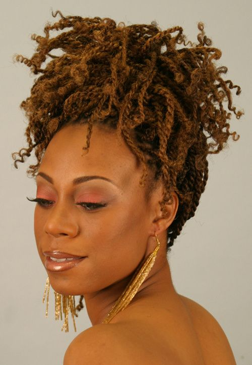 "Foto: Reprodução / <a href=""http://thirstyroots.com/wp-content/uploads/2010/03/how-to-twist-exten-3.jpg"" target=""_blank"">Thristy Roots</a>"