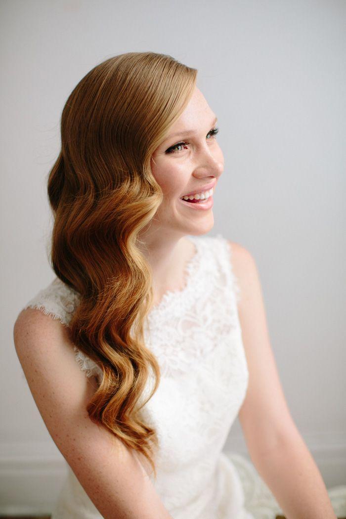 "Foto: Reprodução / <a href=""http://www.greylikesweddings.com/the-archive/wedding-dress-beauty-fashion/hollywood-waves-diy-hair-tutorial/"" target=""_blank"">Grey likes Wedddings</a>"