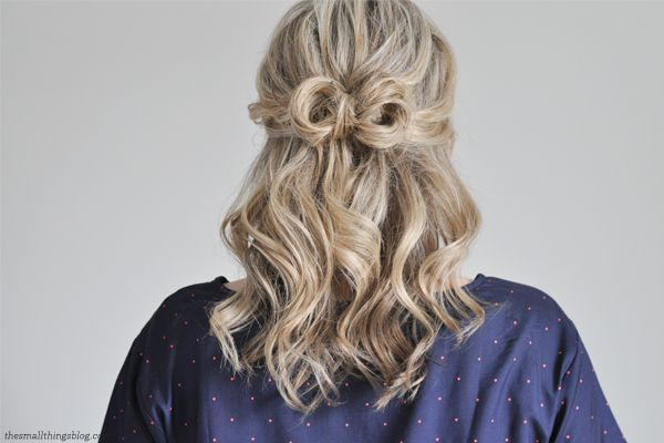 "Foto: Reprodução / <a href=""http://www.thesmallthingsblog.com/2013/04/a-little-bow-hair-tutorial/"" target=""_blank"">The Small Things</a>"