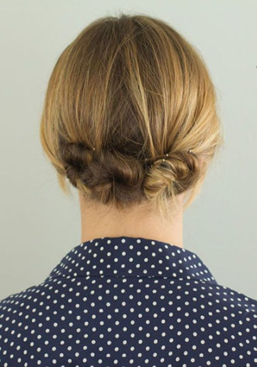 "Foto: Reprodução / <a href=""http://theeverygirl.com/feature/10-fancy-ways-to-style-long-and-short-hair/"">The Everygirl</a>"