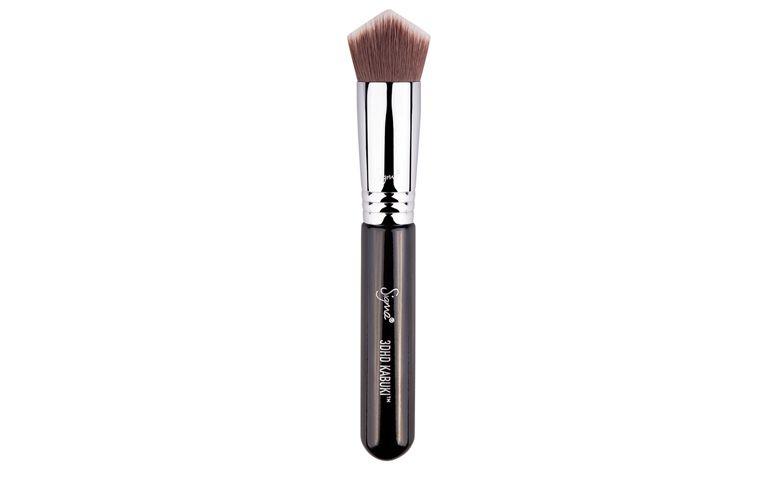 "<a href=""http://sigma-beauty.7eer.net/c/123232/146780/2835?u=http%3A%2F%2Fwww.sigmabeauty.com%2F3DHD_Kabuki_p%2F3dk.htm"" target=""_blank"">3DHD Kabuki</a> por US$24"