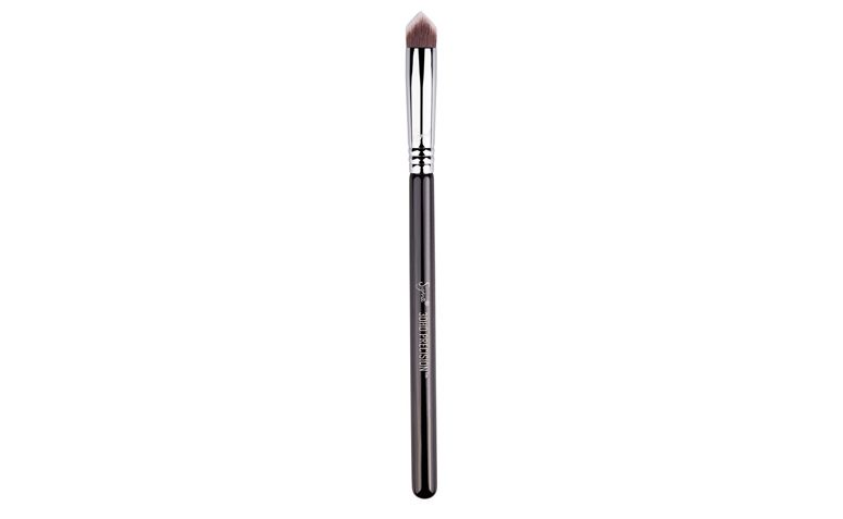"""<a href=""""http://sigma-beauty.7eer.net/c/123232/146780/2835?u=http%3A%2F%2Fwww.sigmabeauty.com%2F3DHD_Precision_p%2F3dp.htm"""" target=""""_blank"""">3DHD Precision</a> por US$19"""