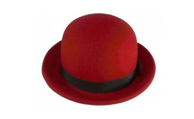 """Chapéu Coco por R$88,90 no <a href=""""http://produto.mercadolivre.com.br/MLB-570312298-chapeu-feltro-chaplin-cco-vermelho-_JM"""" target=""""blank_"""">Mercado Livre</a>"""