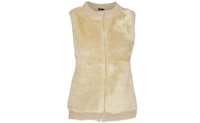 """Colete de pelo Shop 126 por R$263,40 na <a href=""""http://www.fashiondelivery.com.br/colete-shop-126-trico-areia-190055/p"""" target=""""blank_"""">Fashion Delivery</a>"""