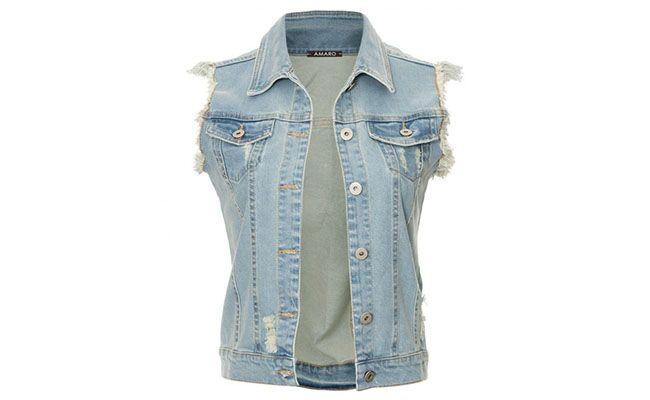 """Colete jeans por R$119,90 na <a href=""""http://amaro.com/colete-jeans-desfiado-1345.aspx/p?sku=1362000415"""" target=""""blank_"""">Amaro</a>"""