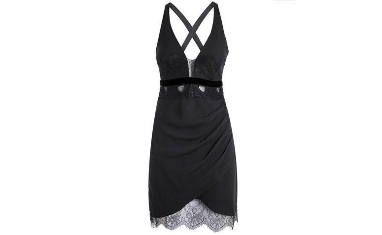 """Vestido com decote profundo Bo.Bô por R$1.158 na <a href=""""http://www.shop2gether.com.br/vestido-black-13.html"""" target=""""blank_"""">Shop2gether</a>"""