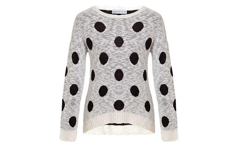 """Suéter de bolinha Market 33 por R$143,10 na <a href=""""http://www.oqvestir.com.br/blusa-trico-market-33-poa-off-white-62751.aspx/p"""" target=""""blank_"""">Oqvestir</a>"""