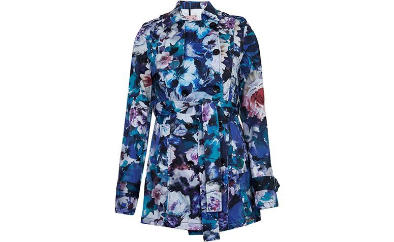Trench coat flowery Colcci by R $ 228.99 in Dafiti