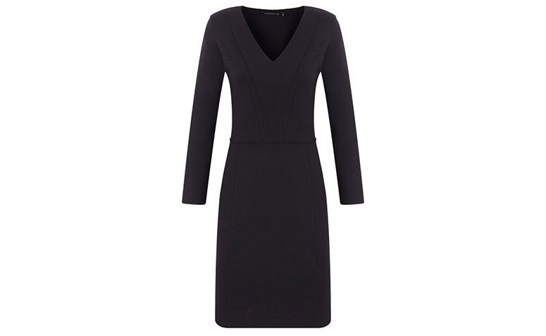 black long sleeve and V-neckline dress by R $ 398 in Capitollium