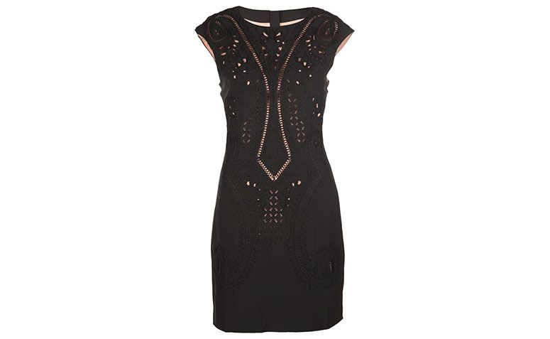 little black dress dress with detail Aftercolor by R $ 648 on E-closet