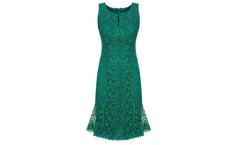 """Vestido de renda curto verde Lemoncola por R$598 na <a href=""""http://www.capitollium.com.br/produto/lemon-cola-vestido-de-festa-curto-renda-guipure-verde-152531"""" target=""""blank_"""">Capitollium</a>"""