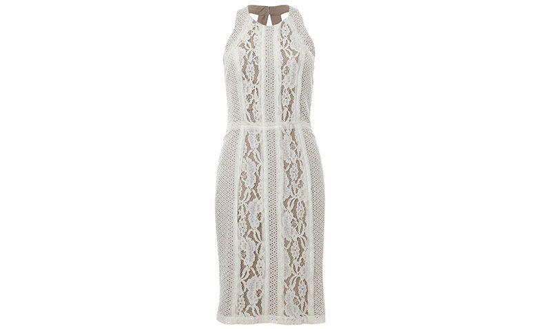 "Vestido de renda curto branco Skunk por R$598 na <a href=""http://www.e-closet.com.br/vestido/vestido-midi-new-glam-renda-skunk-31751.html#"" target=""blank_"">E- Closet</a>"