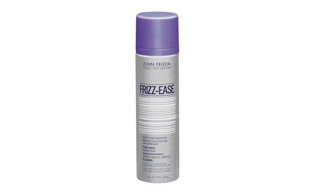 "John Frieda Spray Frizz Ease por R$64 na <a href=""http://www.sephora.com.br/john-frieda/cabelos/modelador/spray-fixador-frizz-ease-moisture-barrier-firm-hold-hairspray-3605"" target=""_blank"">Sephora</a>"