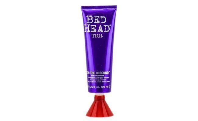 """Ativador de cachos Bed Head por R$137 na <a href=""""http://www.epocacosmeticos.com.br/bed-head-on-the-rebound-tigi-ativador-de-cachos/p"""" target=""""blank_"""">Época Cosméticos</a>"""