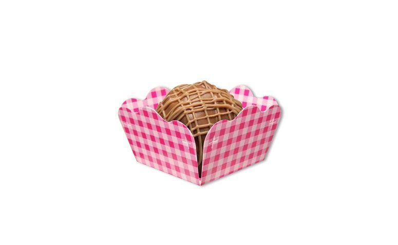 """Forminha para doces – 40 unidades por R$  9,80 no <a href=""""http://www.festabox.com.br/produto/5748/caixeta+forminha+xadrez+rosa+claro+e+branco+40+unidades"""" target=""""_blank""""> Festa Box </a>"""