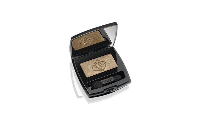 "Sombra em pó Lancôme Ombre Hypnose por R$109,90 na <a href=""http://www.thebeautybox.com.br/sombra-em-po-lancome-ombre-hypnose.htm"" target=""_blank"">The Beauty Box</a>"