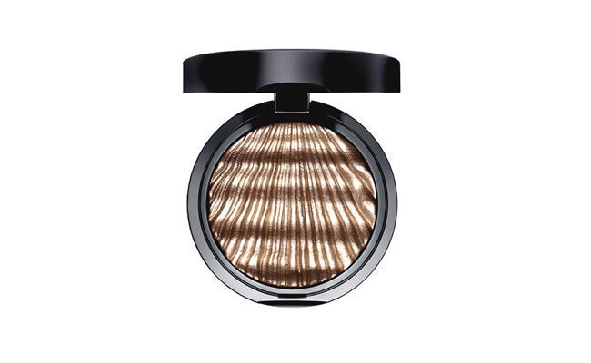 """Sombra Glam Couture Eyeshadow Artdeco por R$79 na <a href=""""http://www.sephora.com.br/site/produto.asp?id=15646"""" target=""""_blank"""">Sephora</a>"""