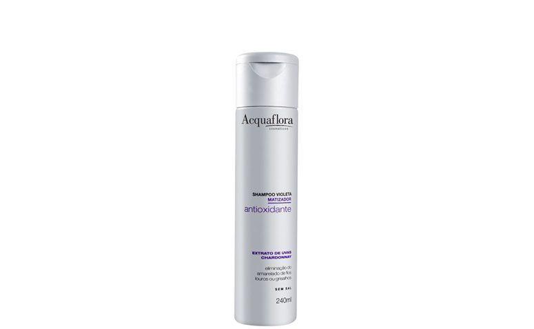 """Xampú violeta antioxidante Acquaflora por R$16,90 na <ahref=""""http://www.belezanaweb.com.br/acquaflora/acquaflora-shampoo-violeta-antioxidante-matizador/#"""" target=""""blank_"""">NOME-DA-LOJA</a>"""