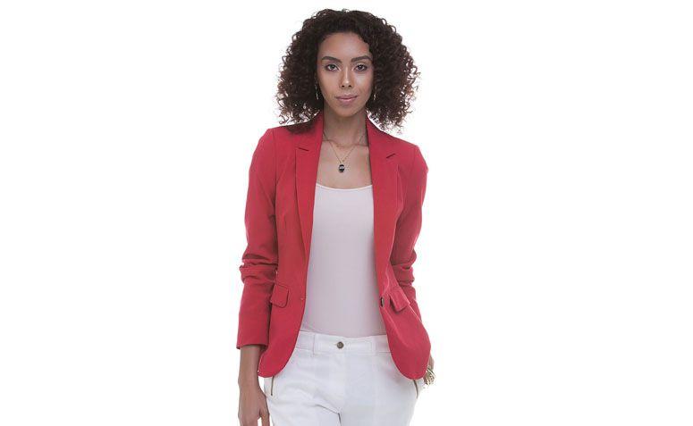 """Blazer em Alfaiataria por R$159,00 na <a href=""""http://www.lojasrenner.com.br/p/blazer-feminino-em-alfaiataria-534160738-534160893"""" target=""""blank_"""">Renner</a>"""