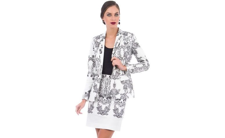 """Blazer Branco Estampado por R$89,90 na <a href=""""http://www.cea.com.br/blazer-branco-7849721-branco/p"""" target=""""blank_"""">C&A</a>"""