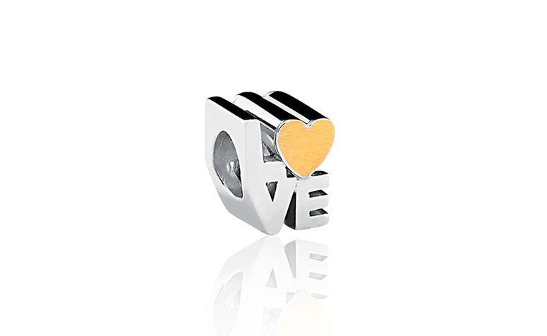 "Pingente Love por R$270 na <a href=""http://www.vivara.com.br/produto/pingente-love-life/EL00001792"" target=""blank_"">Vivara</a>"