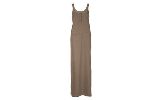 """Vestido amplo Gomide Chic & Basic por R$135 na <a href=""""http://www.farfetch.com/br/shopping/women/gomide-chic-basic-vestido-longo-caqui-item-10539794.aspx?storeid=9230&ffref=lp_9_"""" target=""""blank_"""">Farfetch</a>"""