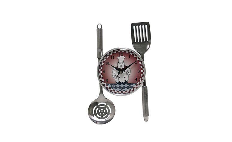 """Relógio de parede Prestige por R$88,75 na <a href=""""http://www.shoptime.com.br/produto/123149657/relogio-de-parede-prestige-analogico-cozinheiro-com-talheres-do-lado-de-fora-12558"""" target=""""blank_"""">Shoptime</a>"""