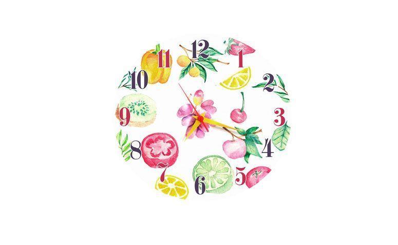 """Relógio Fruits por R$49,90 na <a href=""""http://www.retrateira.com.br/decoracao-criativa/relogio-de-parede/relogio-parede-g-33-x-33-cm-fruits"""" target=""""blank_"""">Retrateira</a>"""