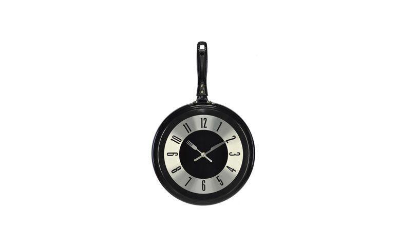 """Relógio de parede frigideira por R$106,90 na <a href=""""http://www.encantemais.com.br/relogio-parede-frigideira-30x48cm"""" target=""""blank_"""">Encante Mais</a>"""