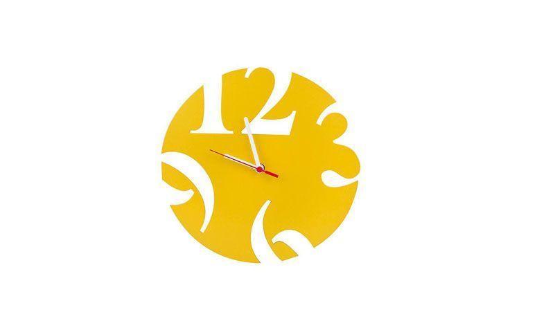 """Relógio number amarelo por R$59,00 na <a href=""""https://www.meumoveldemadeira.com.br/produto/relogio-de-parede-number-amarelo"""" target=""""blank_"""">Meu Móvel de Madeira</a>"""