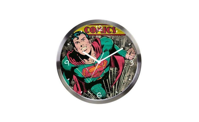 "Relógio DC Comics por R$149,90 na <a href=""http://www.geekyard.com.br/relogio-de-parede-metal-dc-super-homem-verde.html"" target=""blank_"">Geekyard</a>"