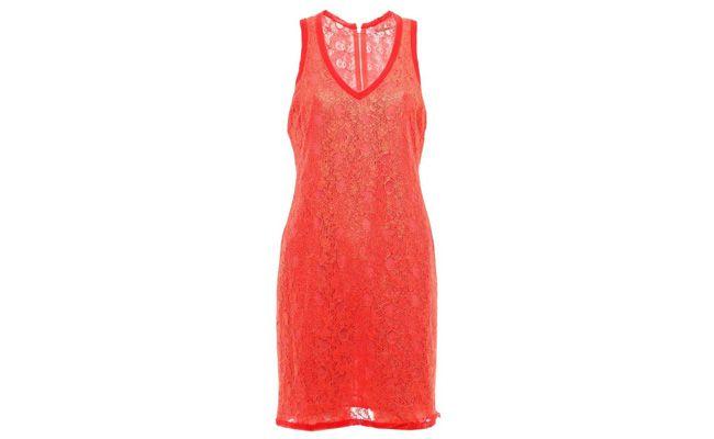 pakaian lace untuk $ 99,99 di bahu