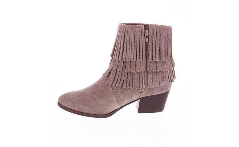 """Bota Desmond por R$199,99 na <a href=""""http://www.passarela.com.br/passarela/produto/ankle-boots-feminina-desmond-rato-6010383181-0"""" target=""""blank_"""">Passarela</a>"""