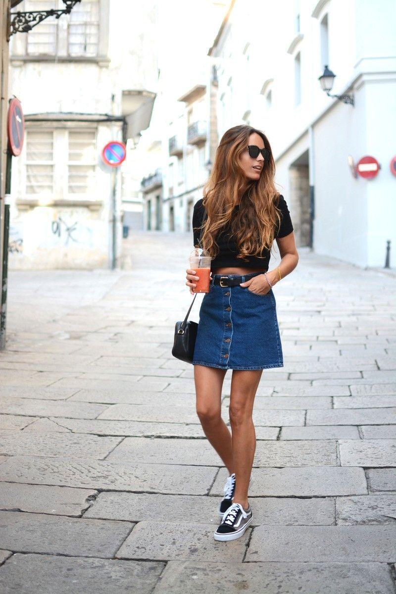 "Foto: Reprodução / <a href=""http://fashioncognoscente.tumblr.com/post/126290710729/the-button-front-denim-skirt-is-so-versatile-add-a"" target=""_blank"">Fashion Cognoscente</a>"