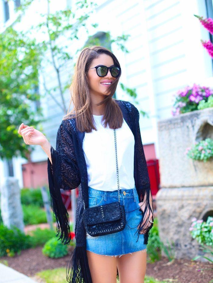 """Foto: Reprodução / <a href=""""http://camilacoelho.com/2015/05/28/look-do-dia-saia-jeans-e-kimono/ """" target=""""_blank"""">Camila Coelho</a>"""