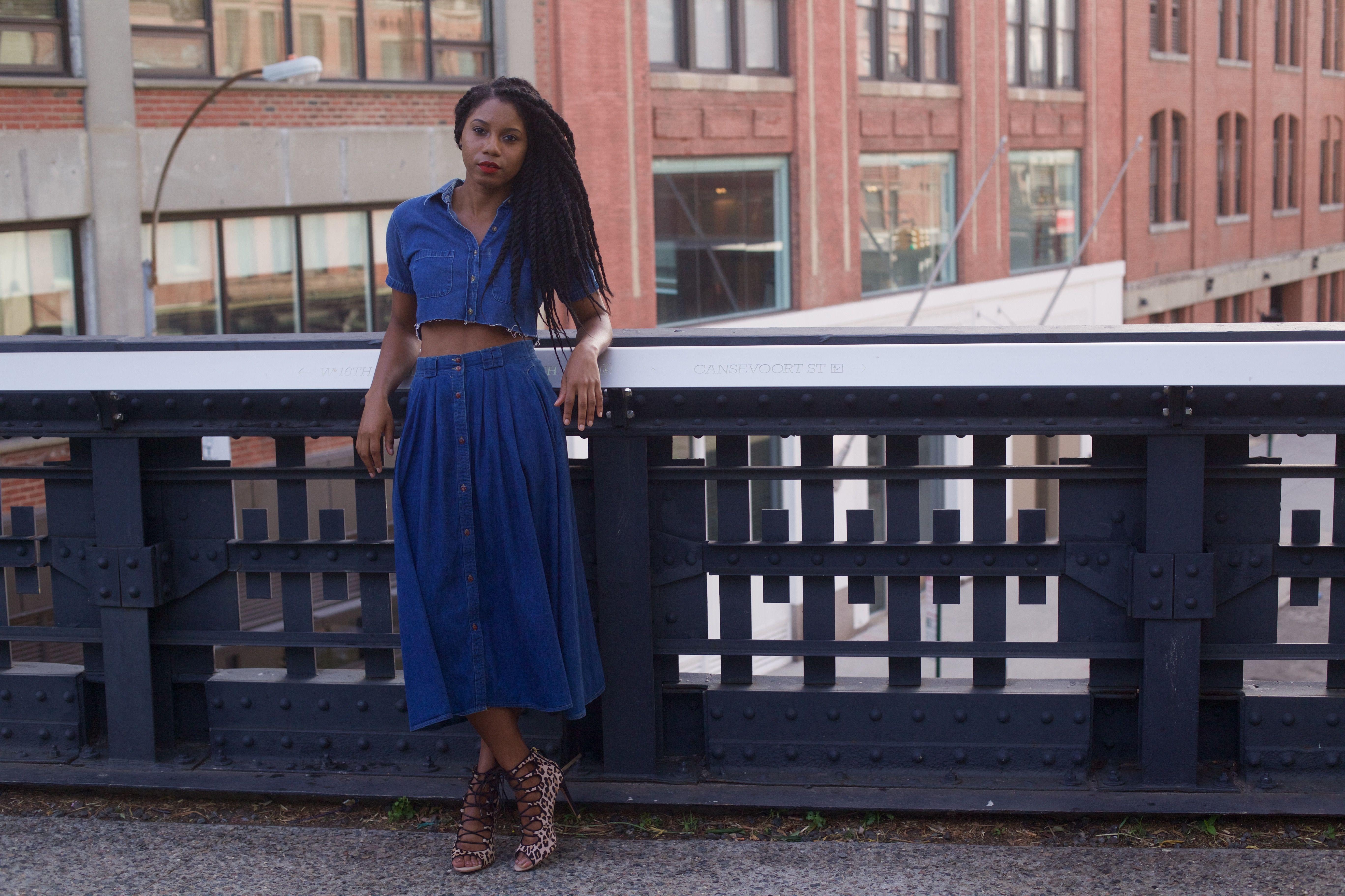 "Foto: Reprodução / <a href=""http://fashionsteelenyc.com/2015/09/canadian-tuxedo-because-denim-on-denim-always-prevails/ "" target=""_blank"">Fashion Steele NYC</a>"