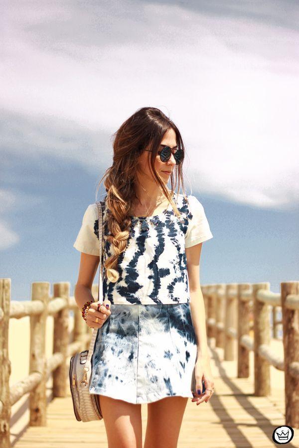 """Foto: Reprodução / <a href=""""http://fashioncoolture.com.br/2014/12/03/summer-denim-lez-a-lez-tie-dye/ """" target=""""_blank"""">Fashion Coolture</a>"""