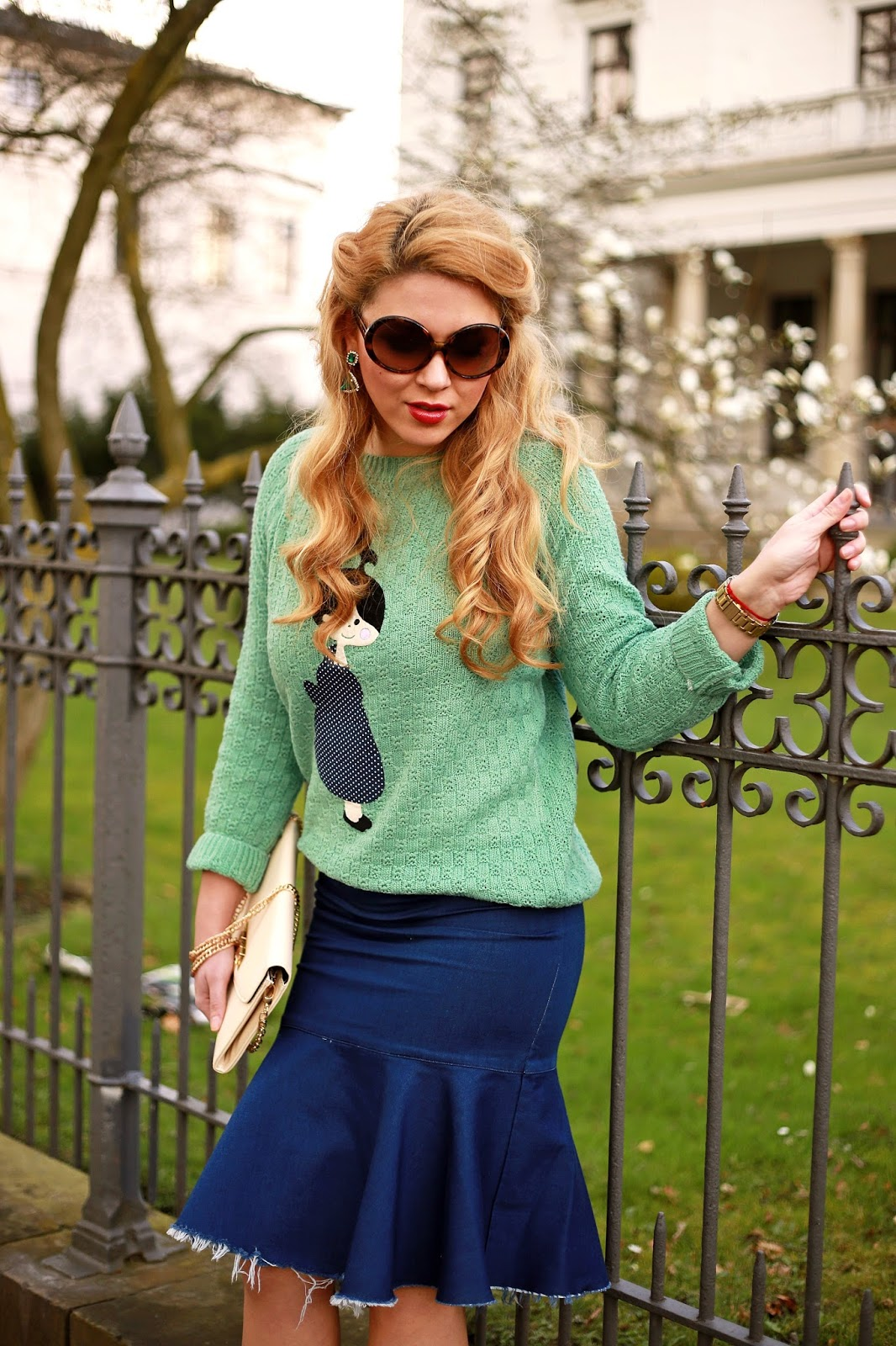 "Foto: Reprodução / <a href=""http://www.fashionpainteddreams.com/2014/03/peplum-skirt.html"" target=""_blank"">Fashion painted dreams</a>"