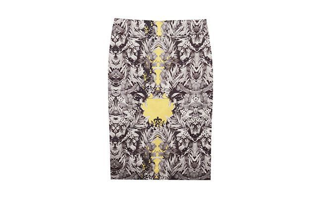 Pencil skirt Floral Mirrored by RS619,00 in OQVestir