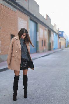 """Foto: Reprodução / <a href=""""http://seamsforadesire.com/sequined-skirt/"""" target=""""_blank"""">Seams for a desire</a>"""