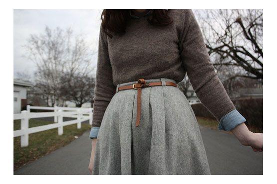 Demarcar a cintura é uma saída para driblar o volume e alongar a silhueta.