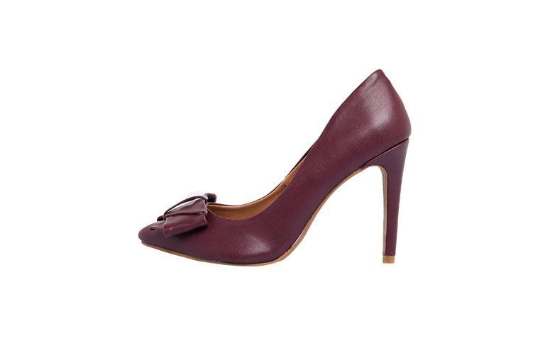 "Scarpin Dafiti Shoes por R$99,90 na <a href=""http://ad.zanox.com/ppc/?28065109C79450365&ULP=[[http://www.dafiti.com.br/Scarpin-DAFITI-SHOES-Vinho-1717893.html?utm_source=zanox&utm_medium=deeplink_generator&utm_campaign=deeplink_generator]]"" target=""blank_"">Dafiti</a>"