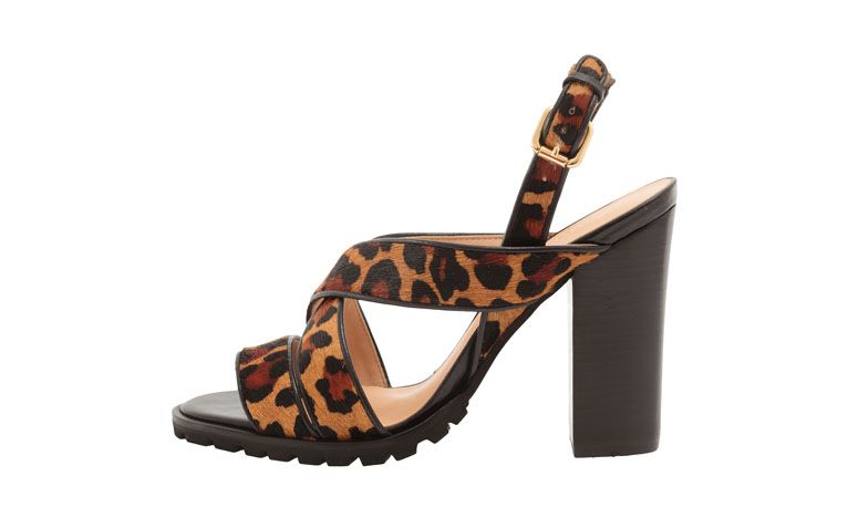 Sandal Luiza Barcelos by R $ 299 in OQVestir
