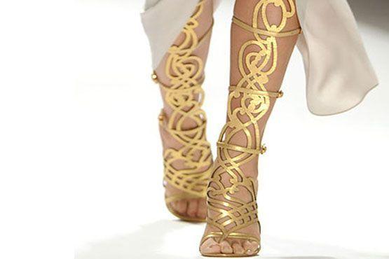 sandalia-gladiadora-como-usar-dourada