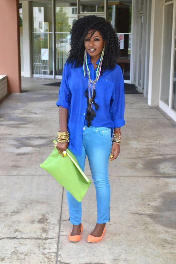 "Foto: Reprodução / <a href=""http://stylepantry.com/2011/06/05/sheer-shirt-ankle-length-skinnies-neon-ballet-flats/"" target=""_blank"">Style Pantry</a>"