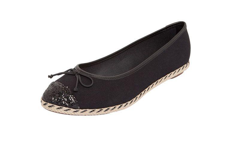 Sneaker Moleca tali kaki untuk R $ 69,99 di Dafiti