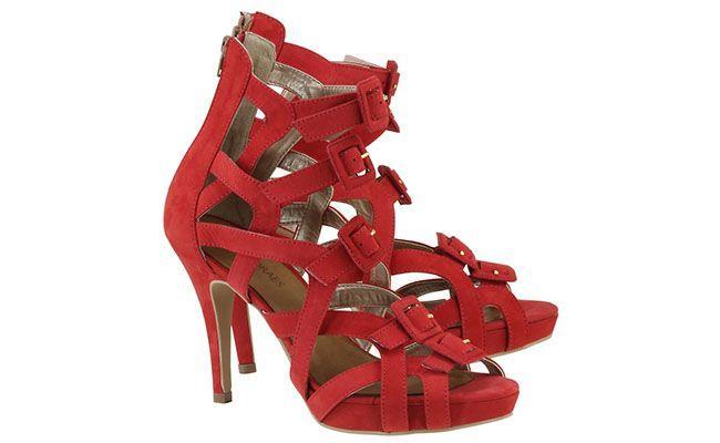 sandal merah Cris Moraes untuk R $ 77.70 dalam Acquarela Shop